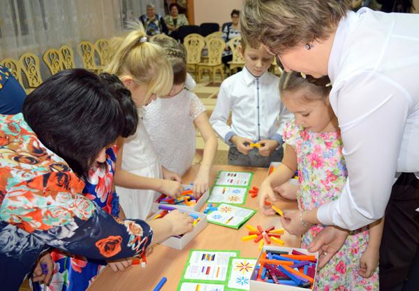 """День матери в детском саду """"Улыбка"""""""