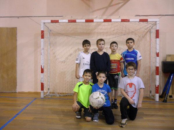 Футбол в МОУ НШ п. Харп